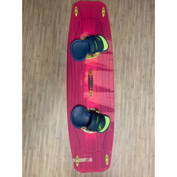 Planche de kite F-one trax hrd lt girl complete OCCASION
